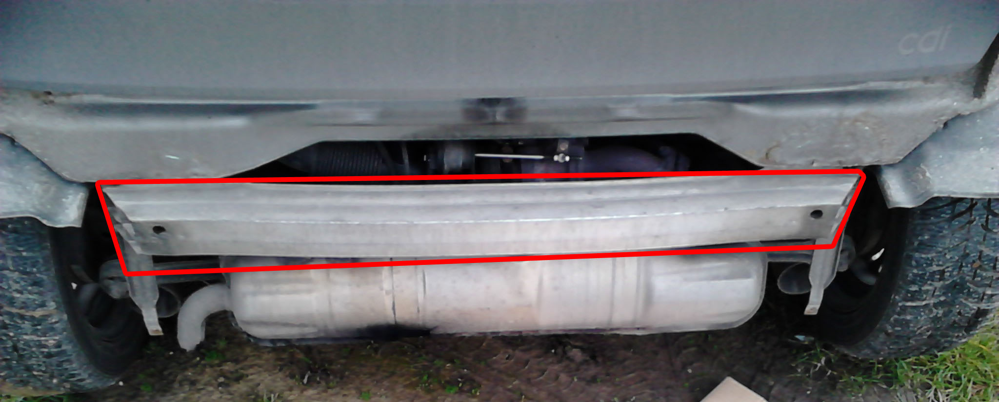 smart fortwo 450 hátsó aluminium keresztmerevítő leszedése útmutató leírás